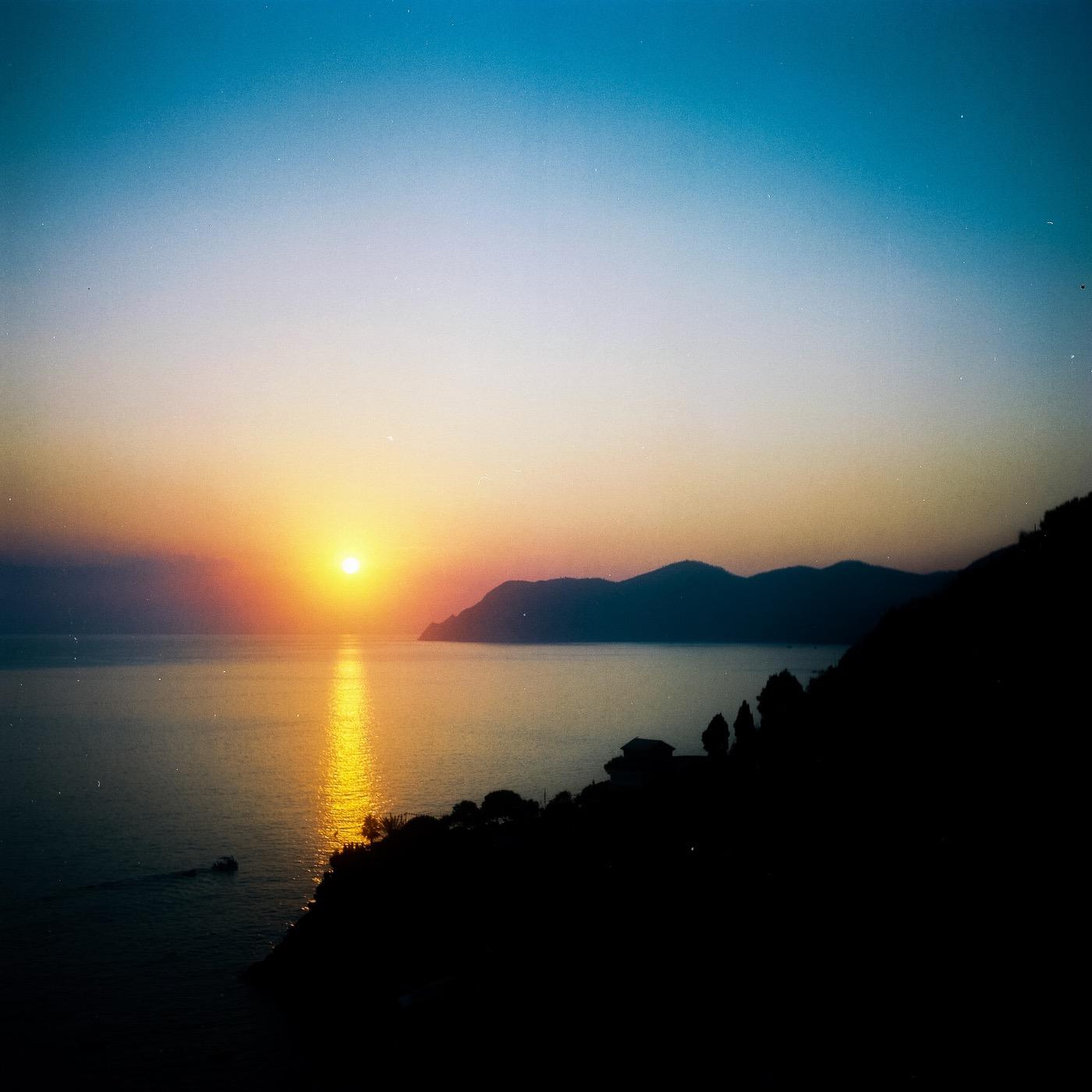 Manarola sunset - 6x6 film