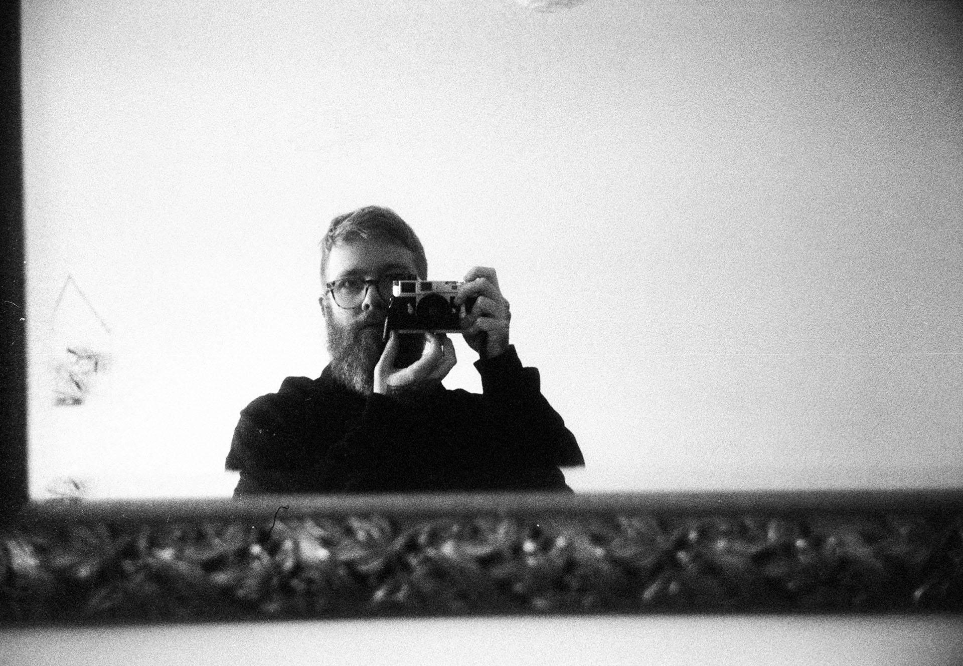 Self portrait Leica M2